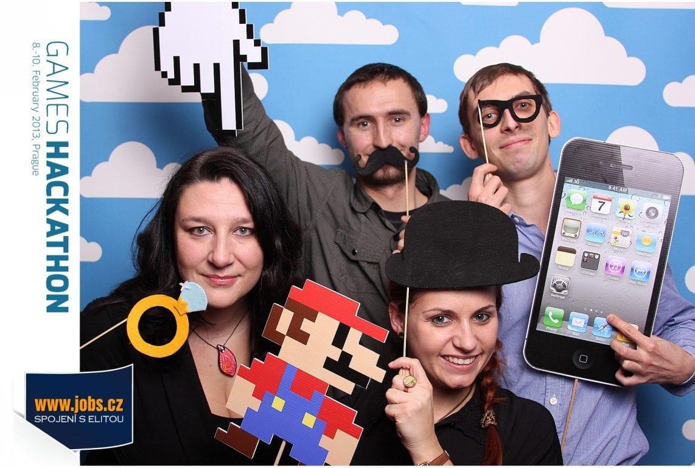 fotokoutek-geewa-games-hackathon-56876