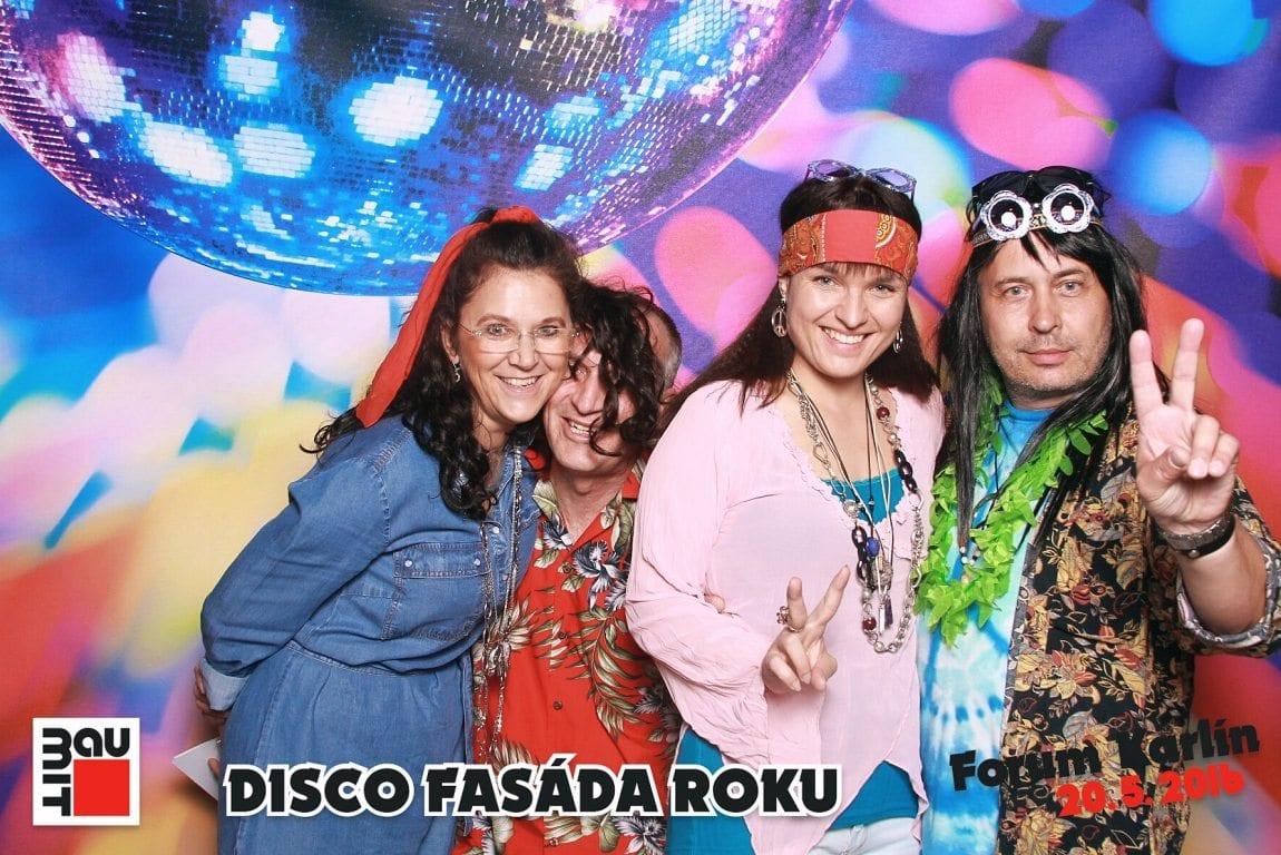 fotokoutek-disco-fasada-roku-forum-karlin-53504