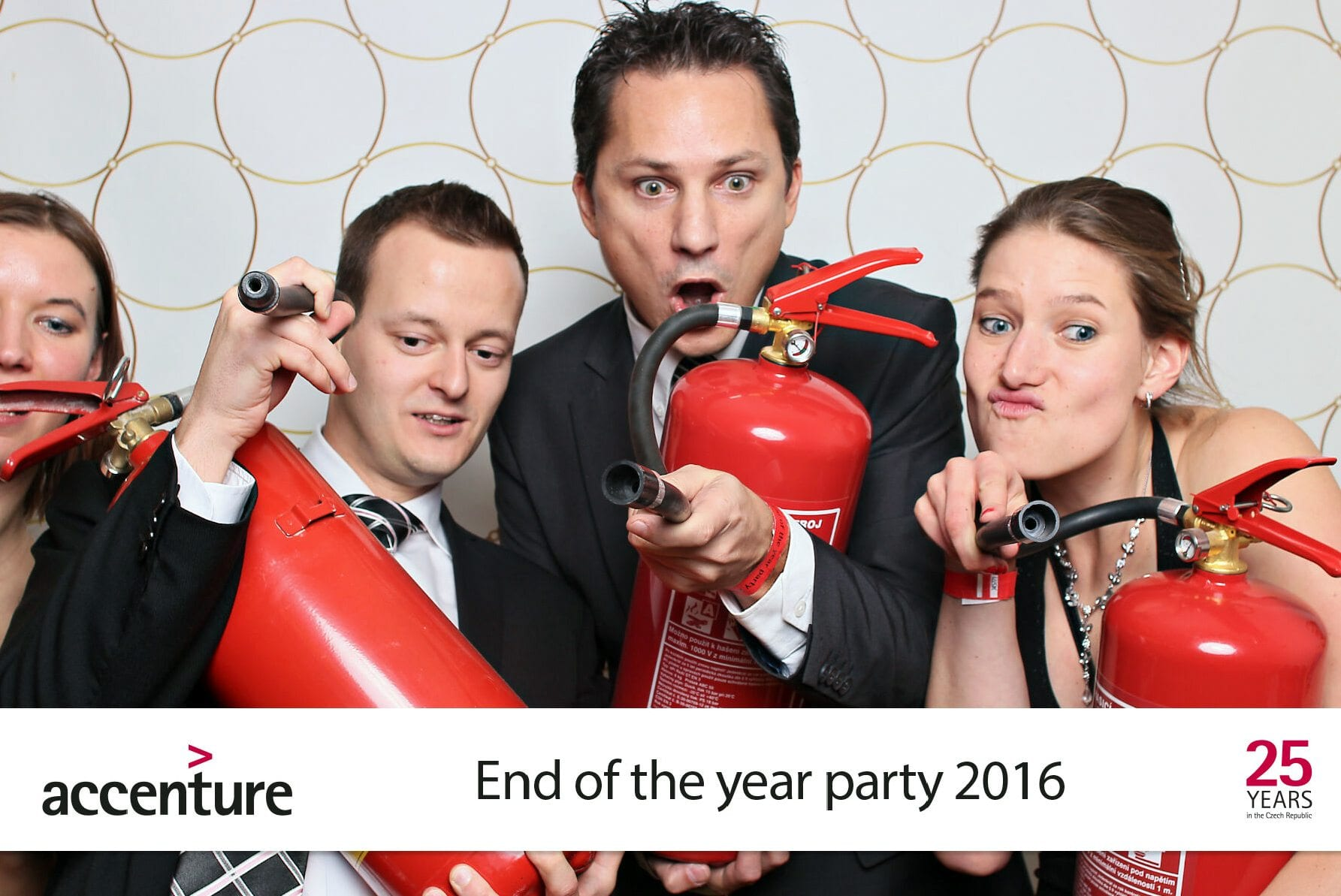 fotokoutek-accenture-end-of-the-year-party-1-171200