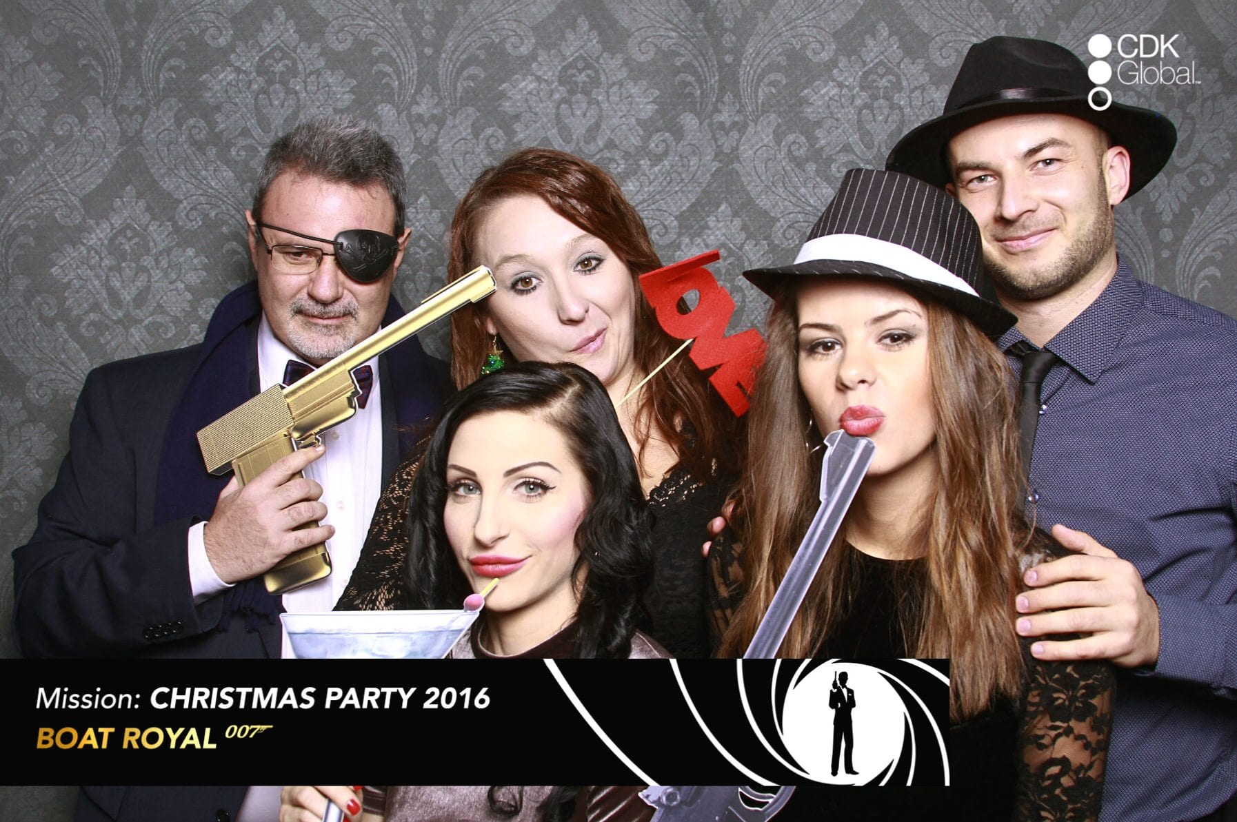 fotokoutek-cdk-global-christmas-party-16-12-2016-191750