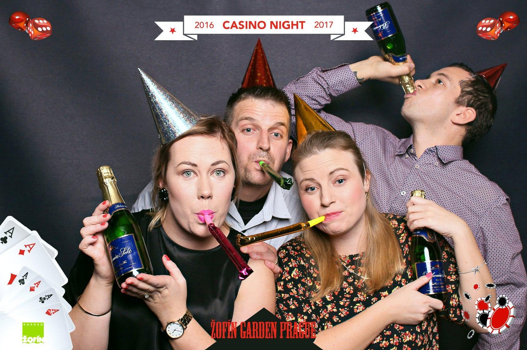 fotokoutek-zofin-garden-prague-casino-night-31-12-2016-200743