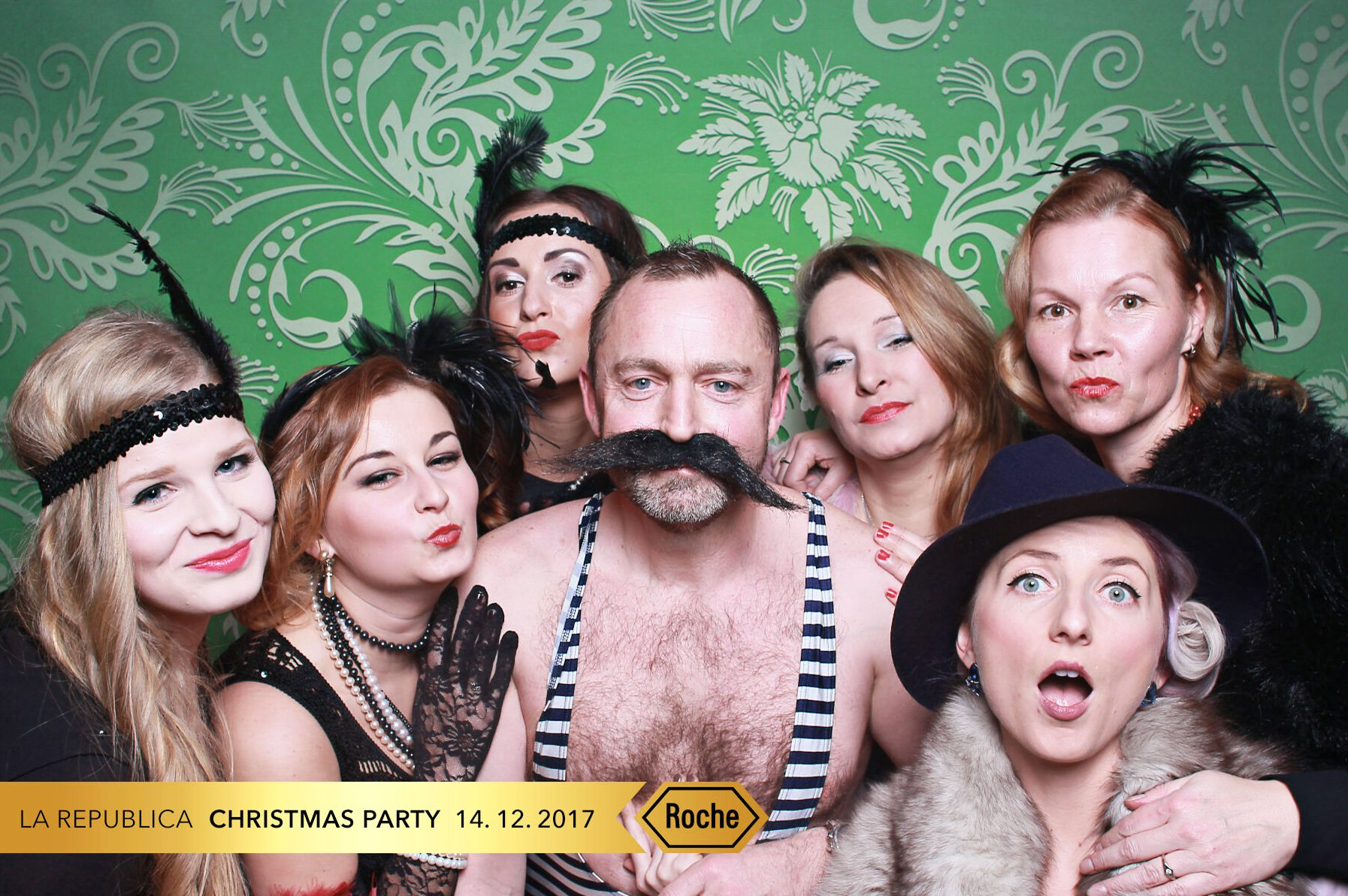 fotokoutek-roche-christmas-party-14-12-2017-364537