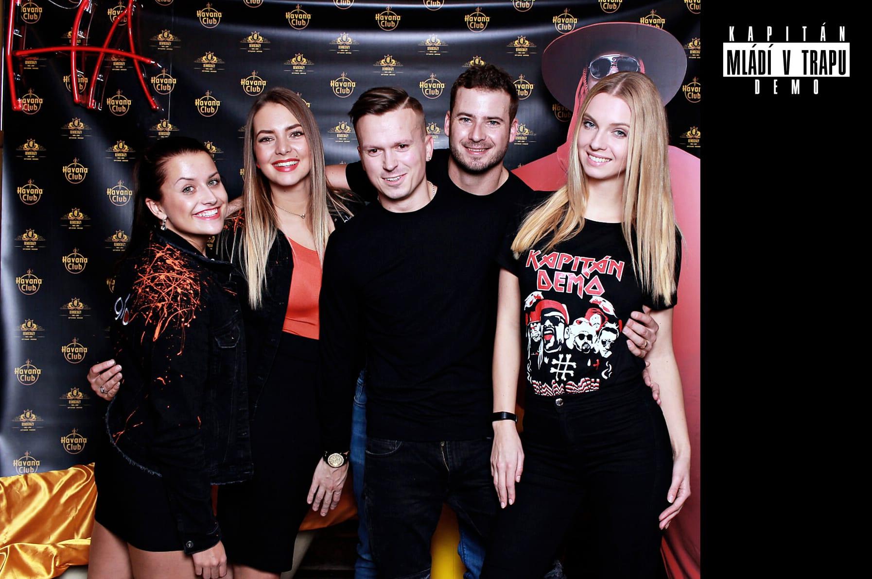 fotokoutek-kapitan-demo-5-12-2018-533521