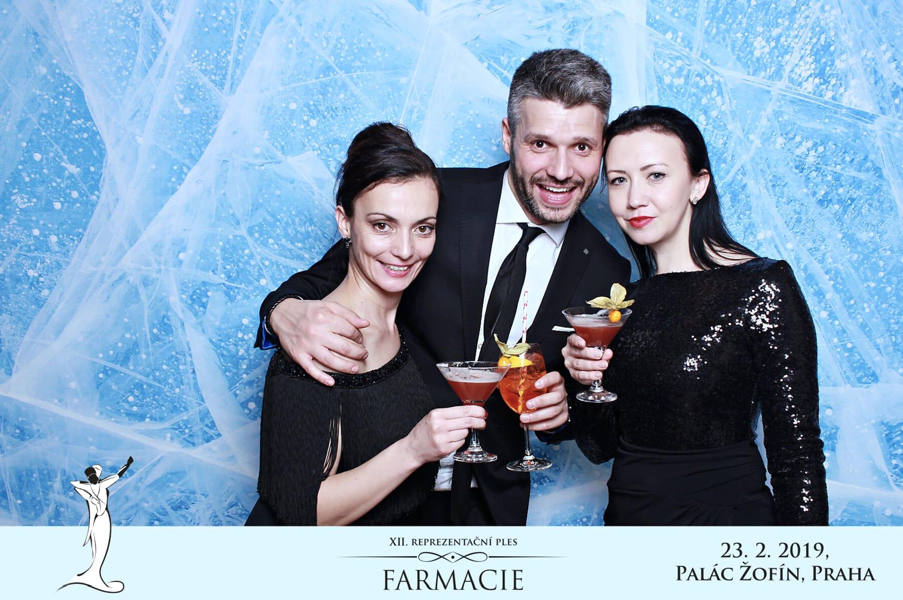 fotokoutek-xii-reprezentacni-ples-farmacie-23-2-2019-584359