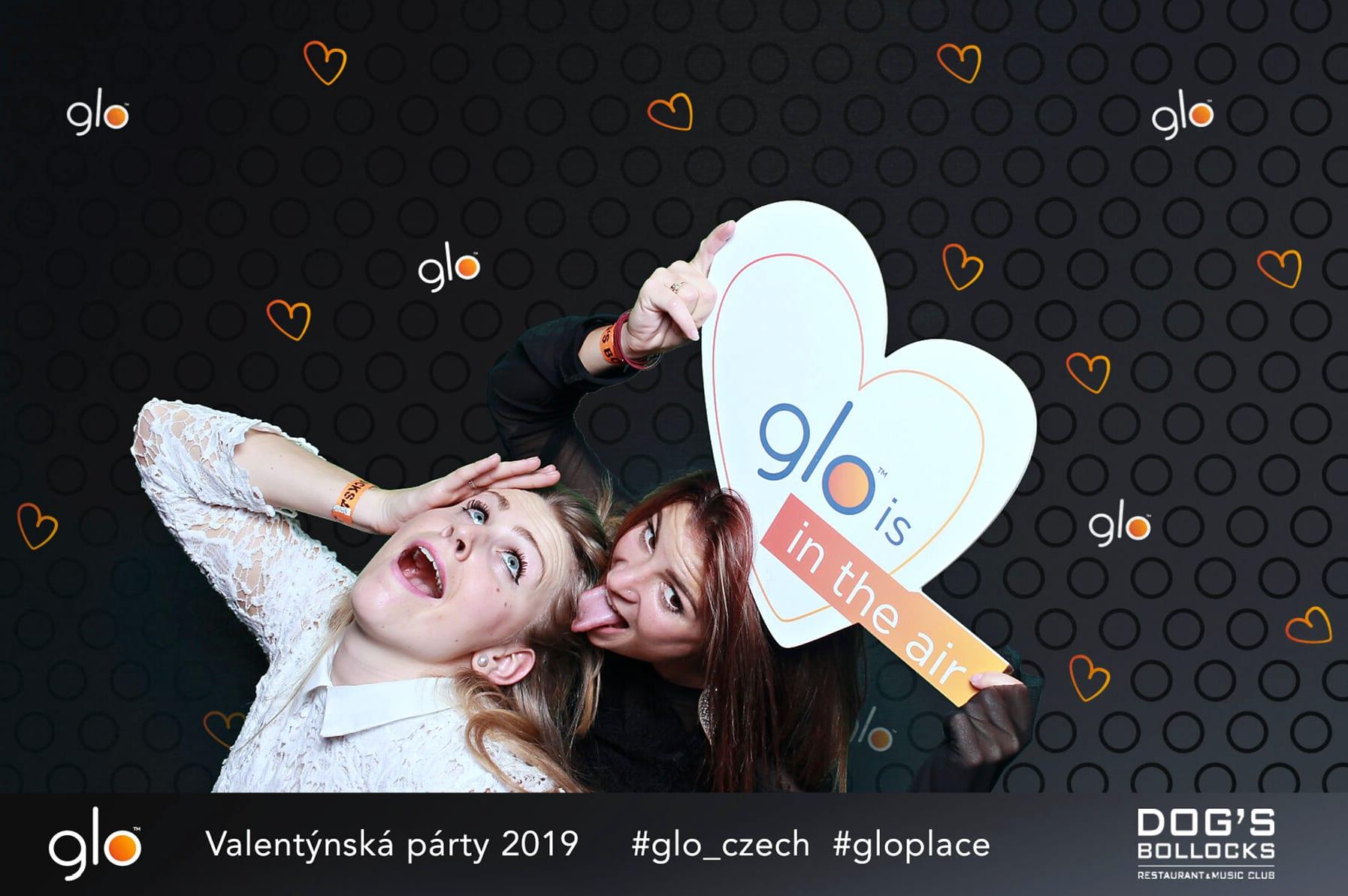 fotokoutek-glo-dogs-bollocks-15-2-2019-580730
