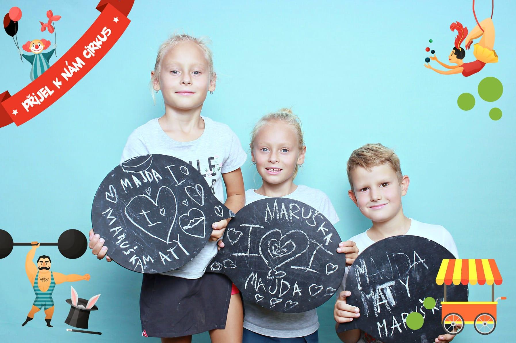 fotokoutek-family-day-praha-prijel-k-nam-cirkus-15-9-2019-650331