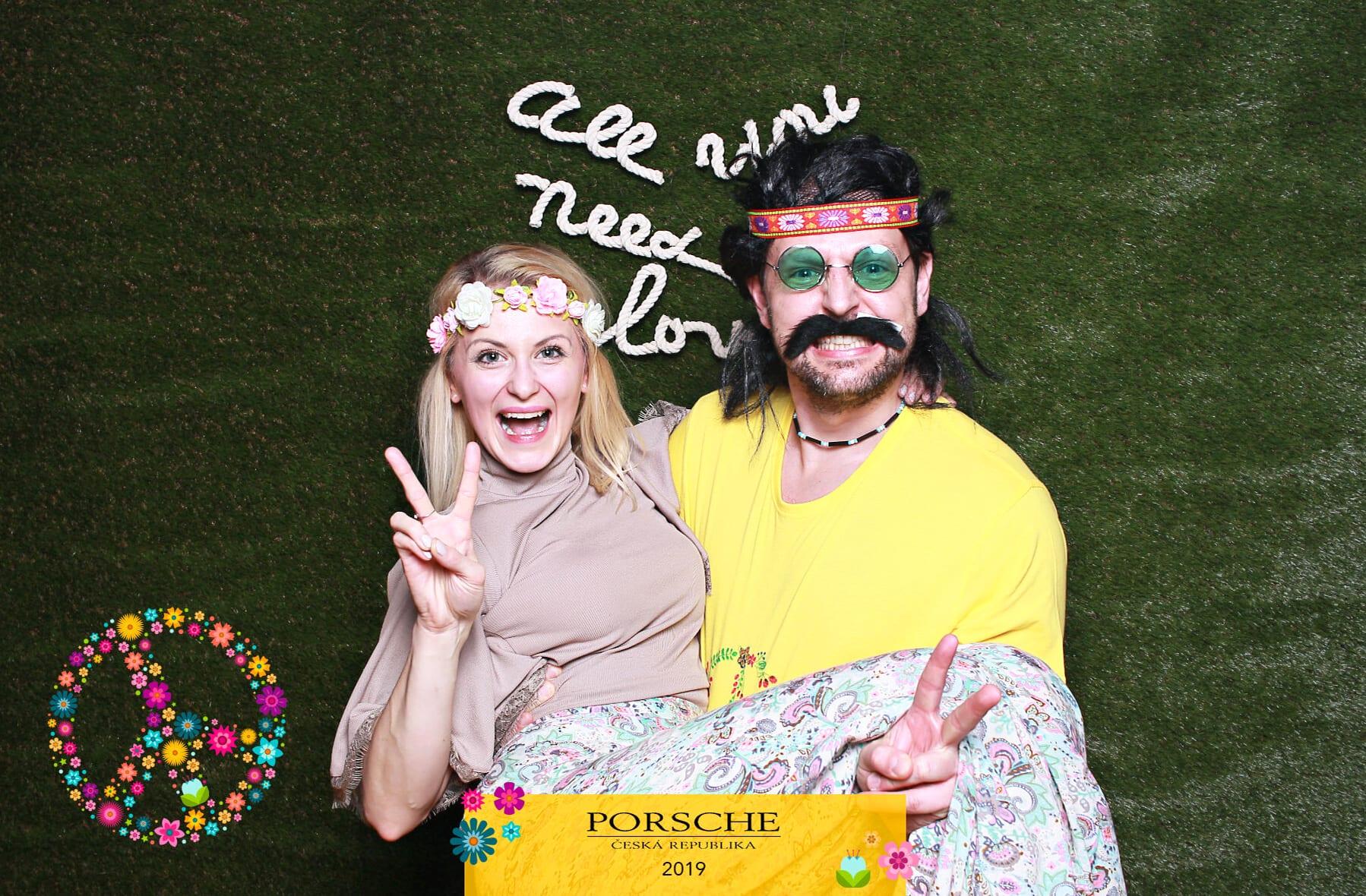 fotokoutek-firemni-vecirek-praha-vanocni-vecirek-porsche-18-12-2019-699975